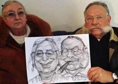 Paar mit Karikatur, Kohle auf Kartonpapier
